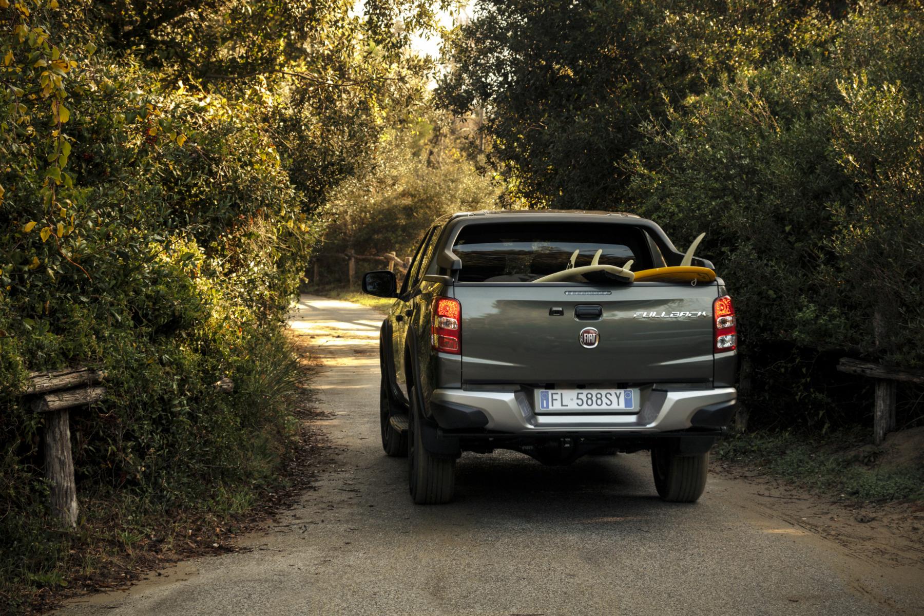 Der Pick Up Auch Style Bietet Neuer Fiat Fullback Cross Pickup Truck 2017 Bildergalerie